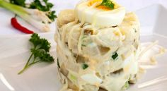 Salata simpla de cartofi Lidl, Superfood, Starters, Mashed Potatoes, Cabbage, Good Food, Easy Meals, Cheese, Vegetables