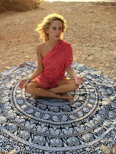 Roundie boho beach mandala blanket by AUROBELLE on Etsy
