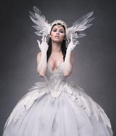 Model: Natalie Schönberger Hair + Make-Up: Ines Wigger Fantasias Halloween, Fairy Dress, Fantasy Dress, Victoria Secret Angels, Costume Design, Cosplay Costumes, Beautiful Dresses, Marie, Dress Up