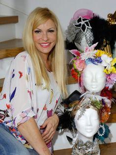 Haarbänder, Spangen oder Kette - meistens fliegen Accessoires so durch die Schubladen und machen dort ein ganz schönes Chaos. Wer keine Lust mehr auf ständiges Wühlen hat, für den hat Sonya Kraus in einer neuen Folge von Sonya's Secrets einen tollen Tipp.