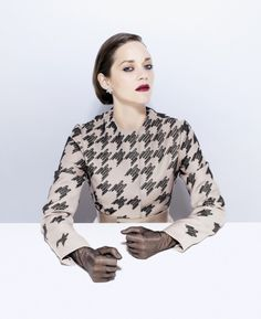 Marion-Cotillard-time-fall-2012-03-