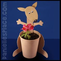 Kangaroo Craft – Cup Planter Craft from www.daniellesplac… Kangaroo Craft – Cup Planter Craft from www. Cup Crafts, Craft Stick Crafts, Preschool Crafts, Kids Crafts, Craft Sticks, Craft Ideas, Australia For Kids, Australia Crafts, Australia Day Craft Preschool
