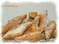 """Mardi gras, populairement, est le jour où l'on mange les fameux """"beignets de carnaval"""". Il est aussi populaire aujourd'hui pour les enfants de se déguiser. Pour la chandeleur on fait des crêpes, pour le mardi gras on fait des beignets. Dans les deux cas,..."""