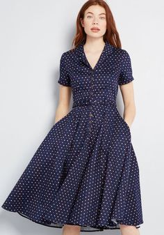 Collectif x MC Cherished Era Shirt Dress - Ahh, the fashionable finesse of bygone times! You embody 1950s Fashion Dresses, Vintage Style Dresses, Dress Fashion, 50 Style Dresses, 1940s Fashion, Fashion Outfits, Modest Dresses, Casual Dresses, Dresses For Work