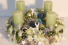 Wunderschöner Advents-Rinden-Kranz (glitter)in der Trendfarbe grün Rinden-Kranz ca.35 cm -UNIKAT- Kerzen mit Hirschen ca. h=11 cm / d=6 cm Verwendete...