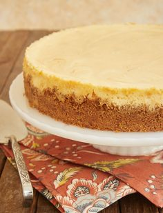 You will love the fantastic flavor of this Bourbon Caramel Swirl Cheesecake. The combination of rich caramel and buttery, spicy bourbon are a perfect pair! - Bake or Break Salted Caramel Cheesecake, Chocolate Cheesecake, Cheesecake Recipes, Sweet Desserts, No Bake Desserts, Bourbon Caramel Sauce, Bourbon Biscuits, Digestive Biscuits, Sweet Tooth