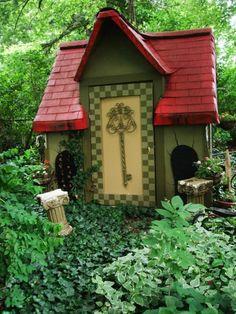 Amazing Playhouses & Treehouses - Design Dazzle