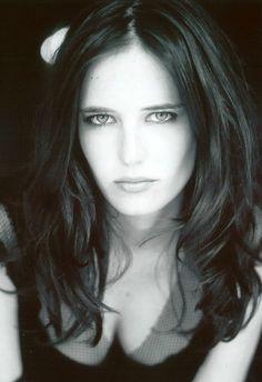 Eva-Green-Morgan-Camelot.jpg 1,028×1,500 pixels