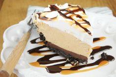 No Bake Fudge Bottom Caramel Pie #WayfairPieBakeOff missinthekitchen.com