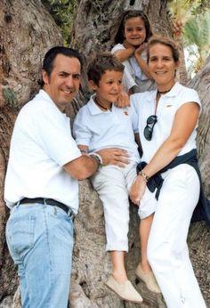 La Infanta Elena y Marichalar se divorcian de mutuo acuerdo - Page ...
