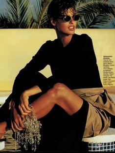 """, ELLE US, January 1991 Photographer: Gilles Bensimon Model: Linda Evangelista Happy birthday, Linda! May 50 today) "" Linda Evangelista, Pose, 90s Models, Christy Turlington, Style Retro, Mode Outfits, Mannequins, 90s Fashion, China Fashion"