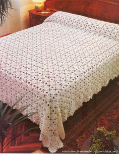 White crochet bedspread ♥LCB-MRS♥ with diagramIt is a website for handmade creations,with free patterns for croshet and knitting , in many techniques & designs.Vintage Crochet Pattern New OrThis post was discovered by Güsquare motiffor carpet or blan