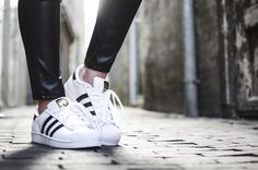 Adidas Superstar! http://www.pro-shoes.nl/adidas/superstar #sneakers #superstar #sneakergirl #sneakerfreak #fashion