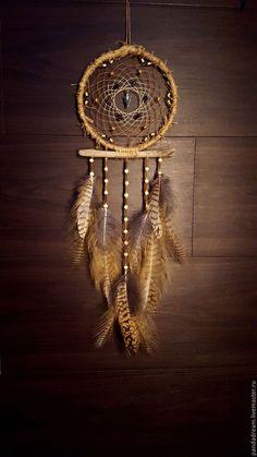 Dream Catcher Native American, Native American Art, Driftwood Mobile, Dream Catcher Art, Green Screen Backgrounds, Diy Wind Chimes, Feather Art, American Spirit, Macrame Patterns