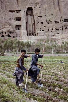 Mazar-i-Sharif - Afghan city of the Noble Shrine