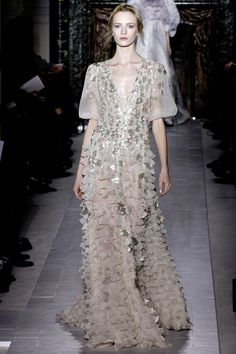romantic ruffles gown Valentino Spring Summer Couture 2013 #HauteCouture #Fashion #HC