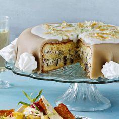 Italiensk dessertkage når det er bedst fyldt med med ricotta, marcipan og syltede citrusfrugter.