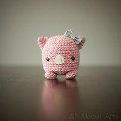 Amigurumi Pig - FREE Crochet Pattern / Tutorial here: http://studio-ami.tumblr.com/post/19526112019/micropig-pattern-hello-everyone-so-this-is
