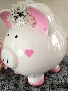 Petunia la novia cerámica banco guarro por AWittCreationDesigns Personalized Piggy Bank, Cute Piggies, Flying Pig, Little Monkeys, Money Box, Petunias, Decoupage, Diy And Crafts, Piggy Banks