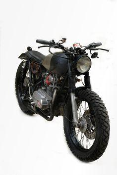 Kawasaki kz 400 DUDE'S MOTORCYCLES #StreetTracker #motorcycles #motos | caferacerpasion.com