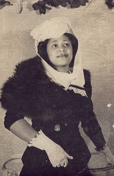 "Helen ""Curl"" Harris, 1940s, ran and operated beauty businesses in Philadelphia; Curl's Beautyrama, Curl's Beauty Salon and Charm Service, and Curl's Moderne Beautyrama. Ella Fitzgerald and Josephine Baker were her clients."