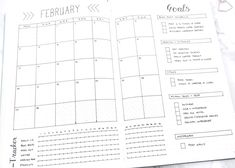 5 monthly log ideas for your bullet journal. A bullet journal monthly log keeps track of appointments, events, and tasks that happen over the course of the month. Some bullet journal monthly log layouts include the official bullet journal monthly log, the categorised bullet journal monthly log, the multi purpose bullet journal monthly log, the time tracker bullet journal monthly log, and the round calendar bullet journal monthly log. Love from Lisa. Bullet Journal Dot Grid, Monthly Bullet Journal Layout, Bullet Journal Titles, Bullet Journal Minimalist, Bullet Journal Tracker, Bullet Journal Spread, Bullet Journal Inspiration, Journal Ideas, Bujo