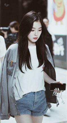 Red Velvet's Irene Fashion 2017, New Fashion, Korean Fashion, Trendy Fashion, Irene Red Velvet, Seulgi, Korean Girl, Asian Girl, Velvet Wallpaper