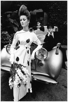 Fashion photograph for Harper's Bazaar by Jeanloup Sieff, 1962