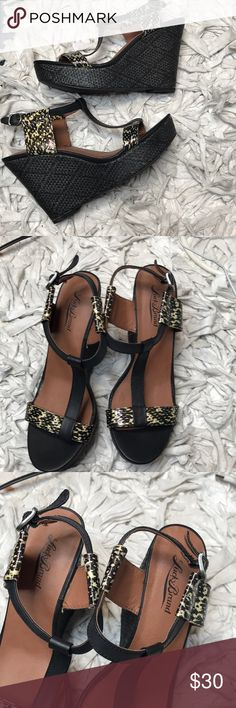 Lucky Brand Woven Wedges 💖 Brand NWOT Lucky Brand basket weave wedges! Never worn and in excellent condition. Kept in a smoke and pet free environment. Accepting all reasonable offers! Runs true to size. Size 8.5, excellent sole condition. Leather upper. Manmade lining and sole. Lucky Brand Shoes Wedges