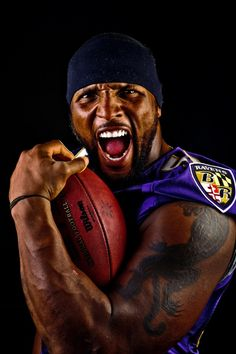 my guy .the one and only ray Lewis ! Team leader and motivator he meant everything to Baltimore But Football, Football Players, Ravens Players, Football Boots, Sport Football, College Football, Ray Lewis, Sports Figures, Sports Stars