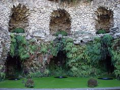 Fontana del diluvio - Bagnaia, Viterbo - Villa Lante: The Fountain of the Flood or Mount's Rain is a collection of rocks in a cave from which, in a plot of capelvenere and climbing, burst water sources received from Mount St. Valentine