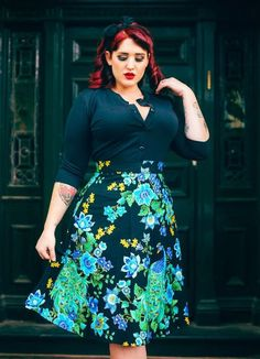 This Vintage plus size rockabilly fashion style outfits ideas 34 image is part from 100 Ideas to Dress Rockabilly Fashions Style for Plus Size gallery and article, click read it bellow to see high resolutions quality image and another awesome image ideas. Plus Size Rockabilly, Rockabilly Mode, Rockabilly Fashion, Curvy Fashion, Retro Fashion, Vintage Fashion, Womens Fashion, Plus Size Fashion For Women, Plus Size Women