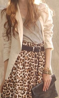 I have a love-hate relationship with leopard. This outfit scores a love