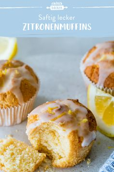 The classic muffin recipe! These muffins are super easy and fast baked and are particularly juicy by the lemon juice. muffins Source by einfachbacken Donut Recipes, Muffin Recipes, Baking Recipes, Cake Recipes, Dessert Recipes, Quick Recipes, Dessert Simple, Food Cakes, Muffins Sains