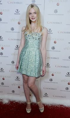 "Elle Fanning arrives at the premiere of ""The Nutcracker in at The. Elle Fanning arrives at the premiere of \""The Nutcracker in at The. Elle Fashion, Fashion Photo, Beauty Tunics, Dakota And Elle Fanning, Dress Out, Red Carpet Looks, Celebs, Celebrities, Red Carpet Fashion"