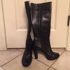 Boots Knee length side zip boots very comfortable I can't wear heels or this boot as my calf muscles are too big. Firm price Gianni Bini Shoes Heeled Boots