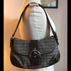 """Authentic Coach Signature C Purse  Authentic Coach medium bag, with seriel number, gray and black signature C fabric, black genuine leather strap and bottom, black and clean inside, silver metals, no hang tag. Good condition, clean, no scratches, no flaws. 8"""" X 14"""" X 2"""" -No trades. -No holds. -No more discounts for this bag, It is not easy to find good prices for reselling, do not ask for lower prices Please.  Click the listings to see the boutique.  Thanks for your visit ;-) Coach Bags…"""