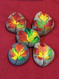 Autumn Painting, Pebble Painting, Dot Painting, Pebble Art, Stone Painting, Mandala Painted Rocks, Hand Painted Rocks, Creative Area, Halloween Rocks
