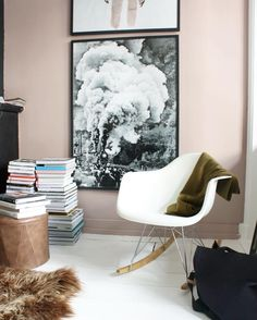 Living Room Nook, Living Room Decor, Home Decor Wall Art, Home Decor Bedroom, Deco Boheme, Front Rooms, Asian Decor, Pink Bedding, Pink Room