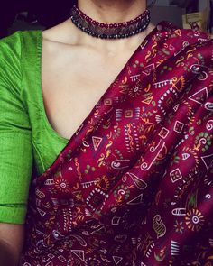 I'm so connected to the aura of colours, that I'm a part of it and it is always a part of me. Choker by Saree : Pure Silk Maroon Warli Saree Paired With Raw-Silk Green Blouse (wide deep U neck) . Not for sale! Simple Sarees, Trendy Sarees, Stylish Sarees, Indian Dresses, Indian Outfits, Indian Clothes, Maroon Saree, Saree Jewellery, Silver Jewellery