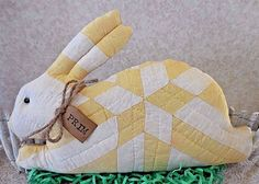 Primitive VTG Quilt Easter Bunny Pillow Tuck Shelf Sitter Handmade Yellow/White  | eBay