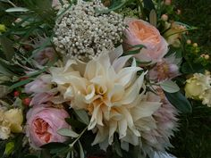 Wedding Wednesday : Finding a florist for your wedding flowers | Flowerona Flowers and image - Firenza Floral Design