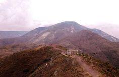 """Caseta de vigilancia de el Cerro """"El Quemado"""", en el pueblo de Real de Catorce, S.L.P."""