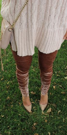 Cold fall and winter days need some gorgeous crushed velvet leggings. Thanksgiving and Christmas outfit inspiration.