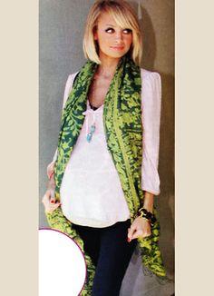 Nicole Richie in batik :)
