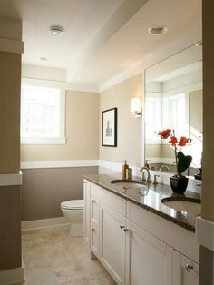 2 Tone Brown Tan Bathroom Interior Design Traditional Bathroom Bathroom Colors