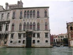 Palazzi Contarini -- Grand Canal, Venice, Italy #education #travel Renaissance Architecture, Unique Architecture, Places Around The World, Around The Worlds, Great Places, Beautiful Places, Places To Travel, Places To Visit, Grand Canal Venice