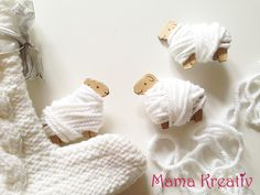 Wickelschafe aus Pappe und Wolle basteln