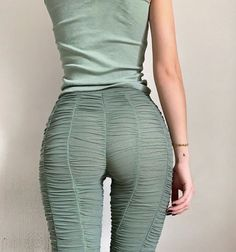 Image shared by Find images and videos about fashion, style and photography on We Heart It - the app to get lost in what you love. Girlie Style, My Style, Daily Fashion, High Fashion, Baggy Pants, Runway Fashion, Fashion Outfits, Summer Outfits, Cute Outfits