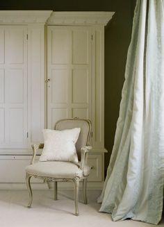 Colefax & Fowler 'Feather Stripe' linen/silk curtains.